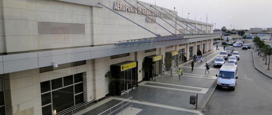 Aeroporto Luanda Chegadas : Aeroporto de luanda terminal voos domésticos